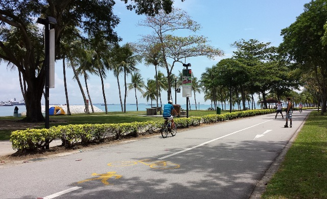 cycling di east coast park