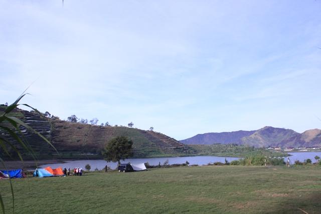 lokasi kamping dekat jalur pendakian