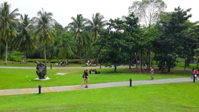 Taman sebagai sarana jogging, tamasya