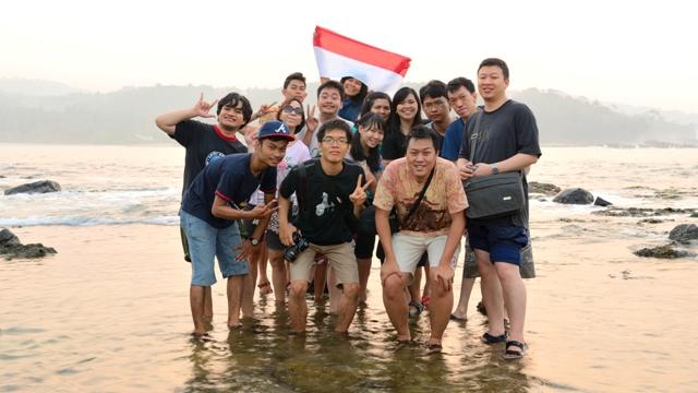 Foto ditengah karang Pantai Karang Bereum