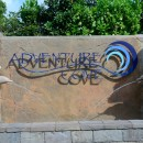 Wahana air dan Snorkeling Buatan di Adventure Cove Waterpark