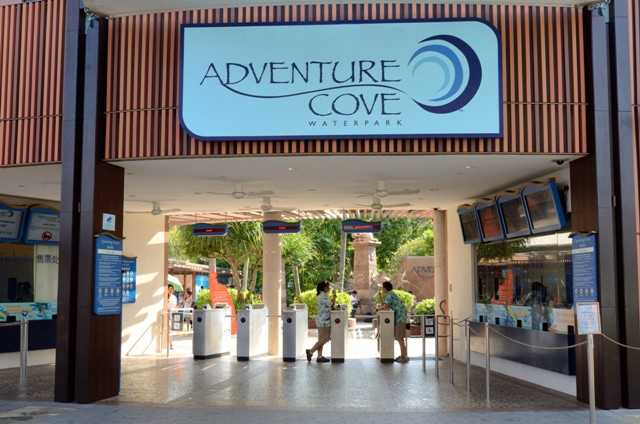 Pintu masuk Adventure Cove Waterpark